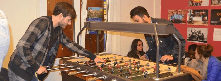 Le kicker et autre avantages de la salle facultaire